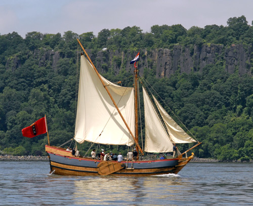 A replica of the ship Onrust sailing on the Hudson