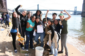 high schoolers working on beach with Hudson River Estuary Program