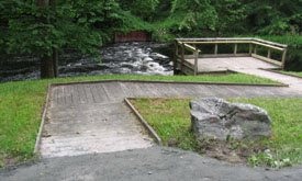 Accessible fishing platform at the Basherkill