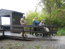 Accessible waterfowl hunting blind