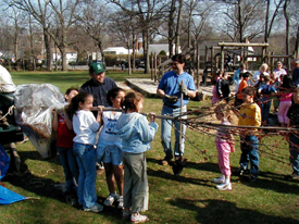 kids helping to plant trees