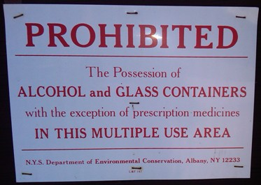 sign prohibiting possession of alcohol and glass containers
