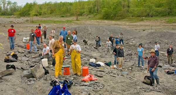 Searching for fossils at Penn Dixie