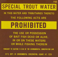 Sign prohibiting the use or possession of bait fish