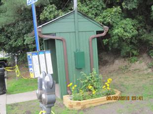 Ardsley bus shelter planter