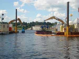 Dredging contaminated sediments in the Hudson